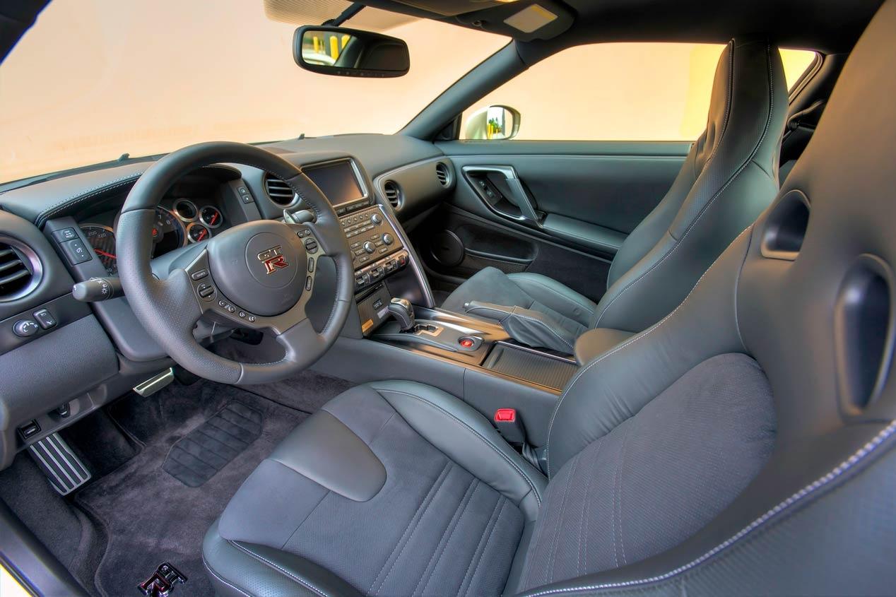Nissan GT-R 45 Aniversario 3