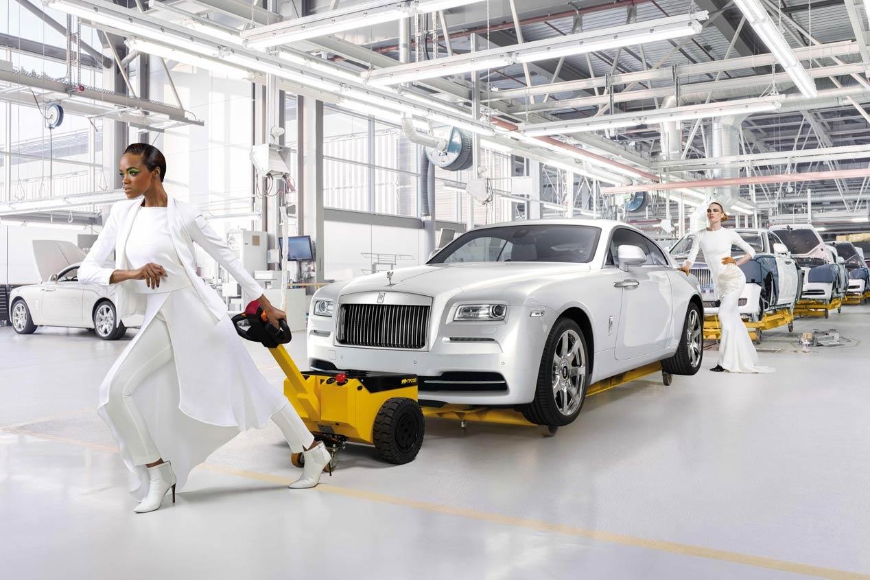 Rolls Royce Wraith inspired by Fashion 1