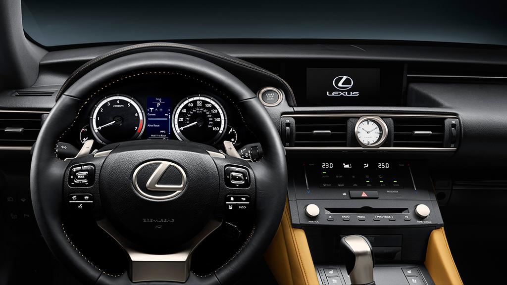 Lexus RC 300h 4