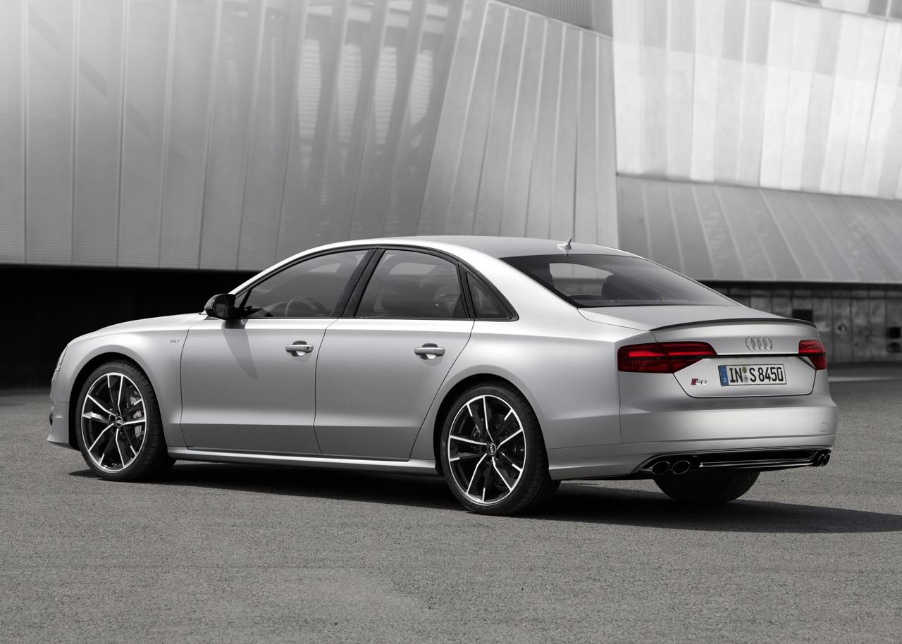 Audi S8 Plus 2