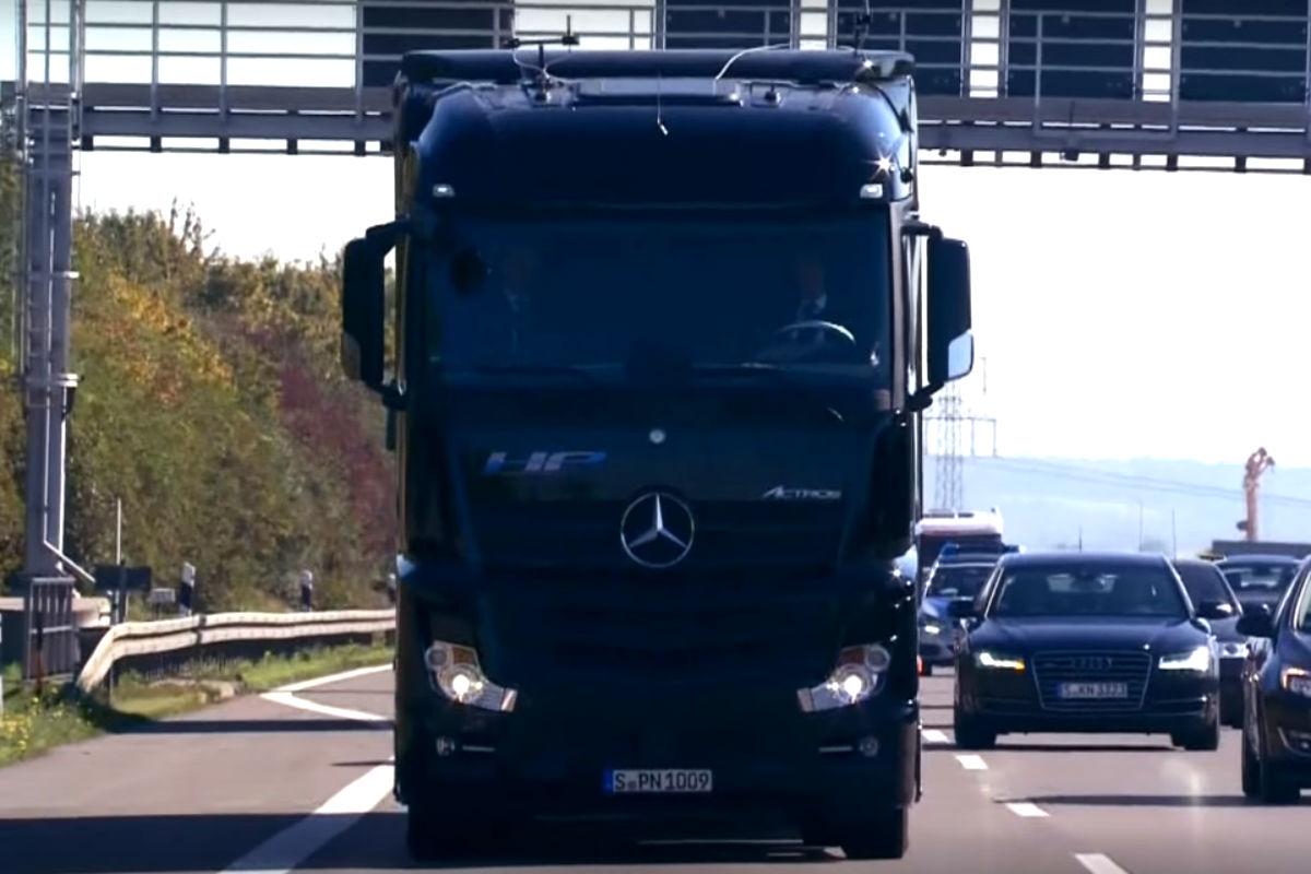 Camion autonomo Mercedes