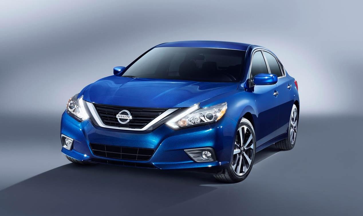 Nissan Altima 1