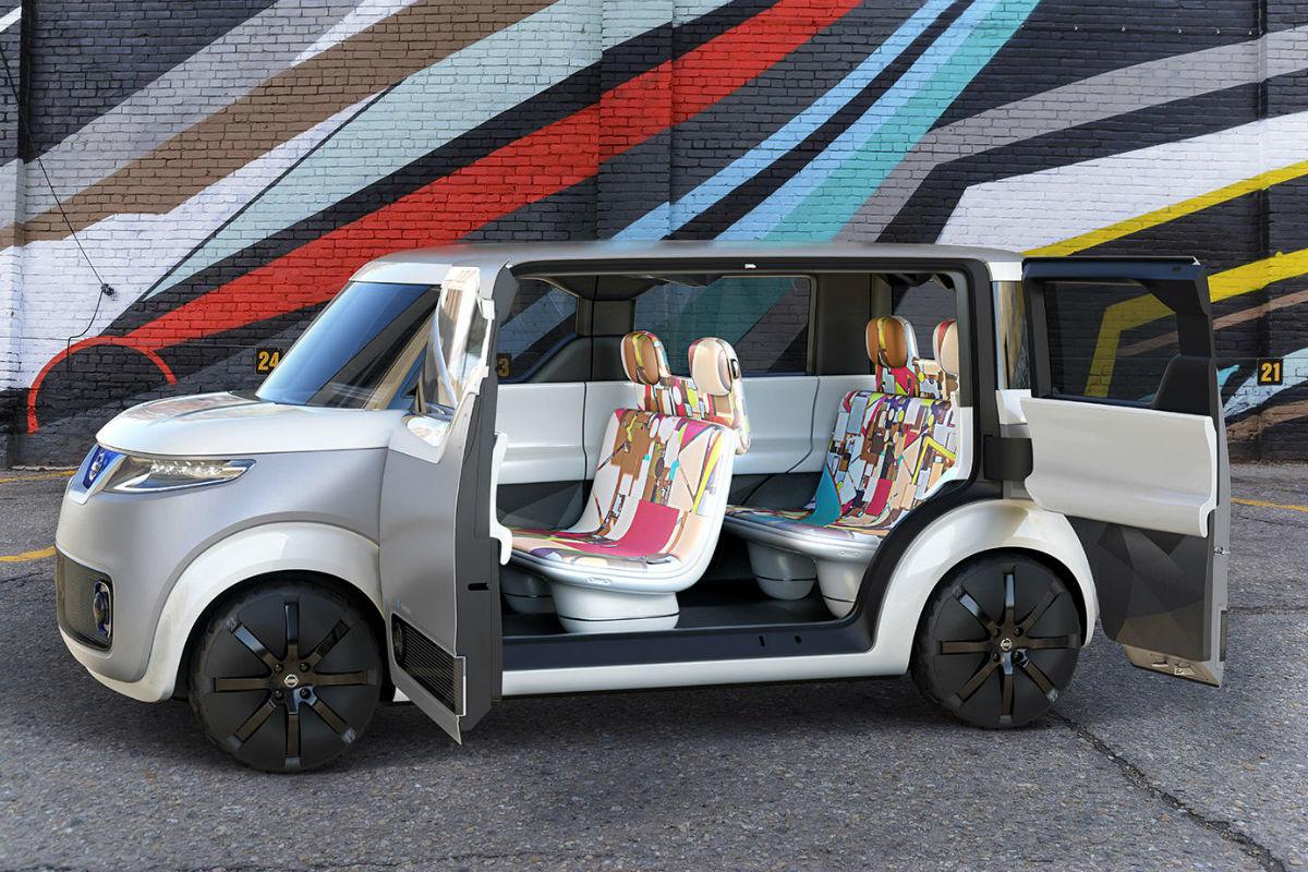 Nissan Teatro for Dayz: el coche que es como un móvil