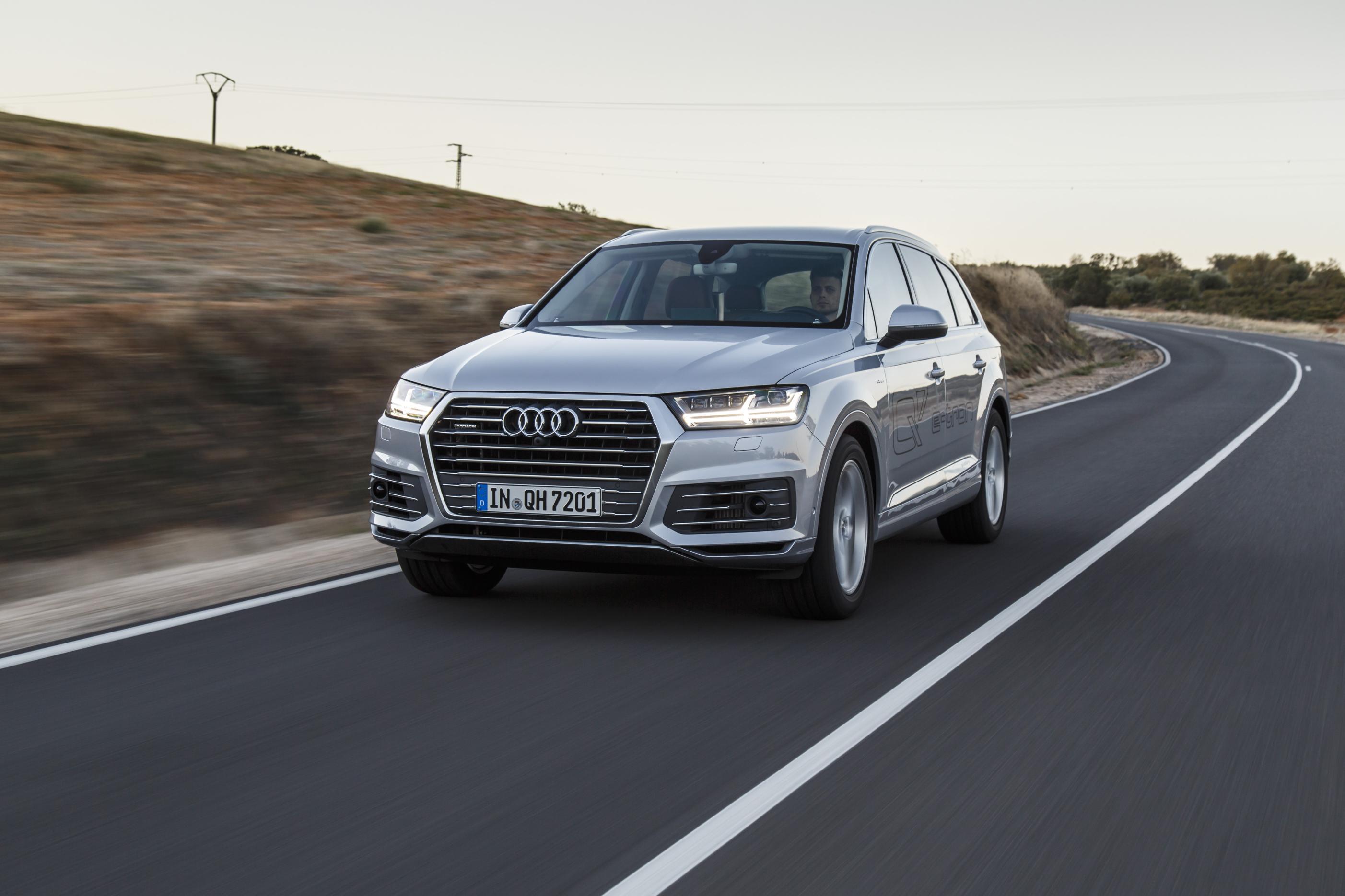Audi Q7 e-tron 1
