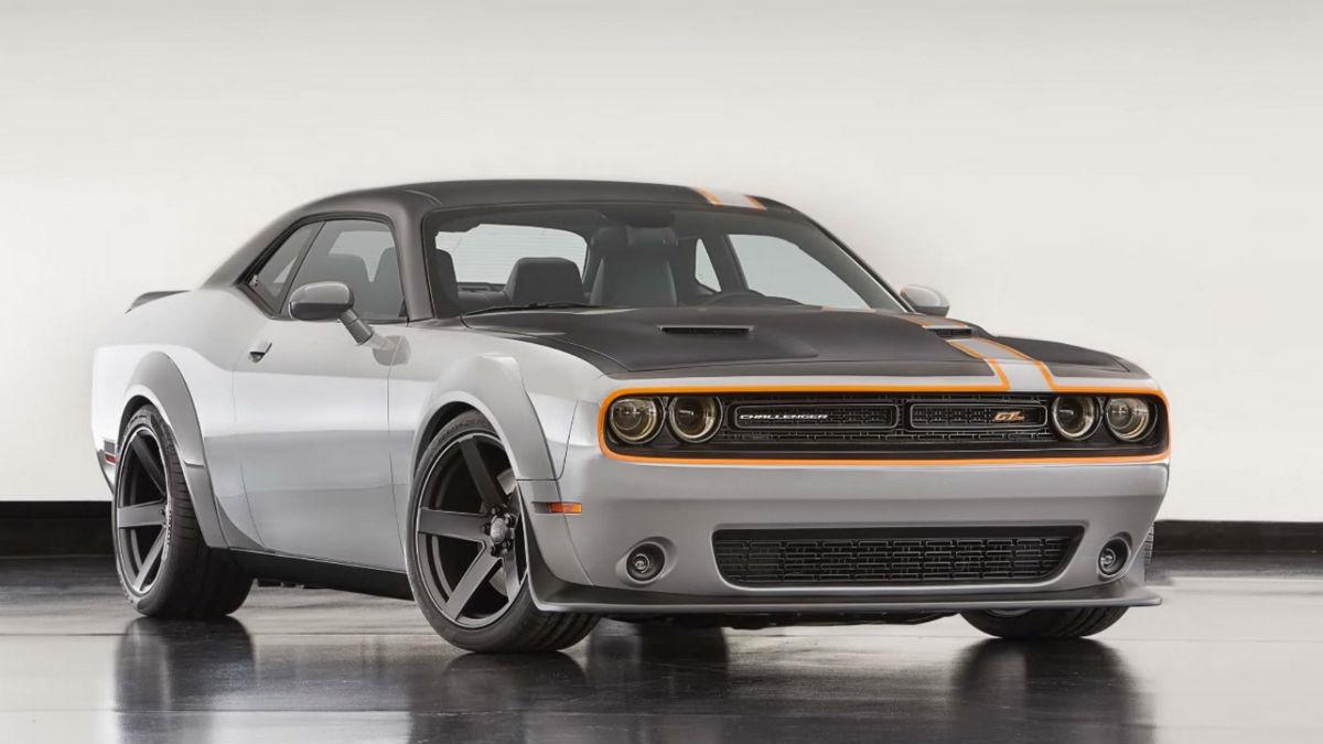 Dodge Challenger GT AWD Mopar 1