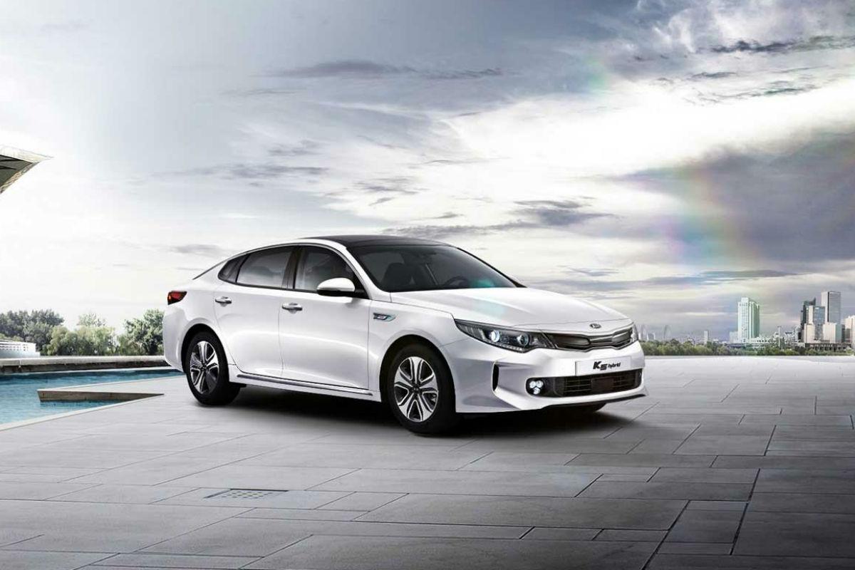 Kia Optima Hybrid 1