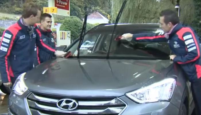 El equipo Hyundai WRC ¡reposta tu coche!