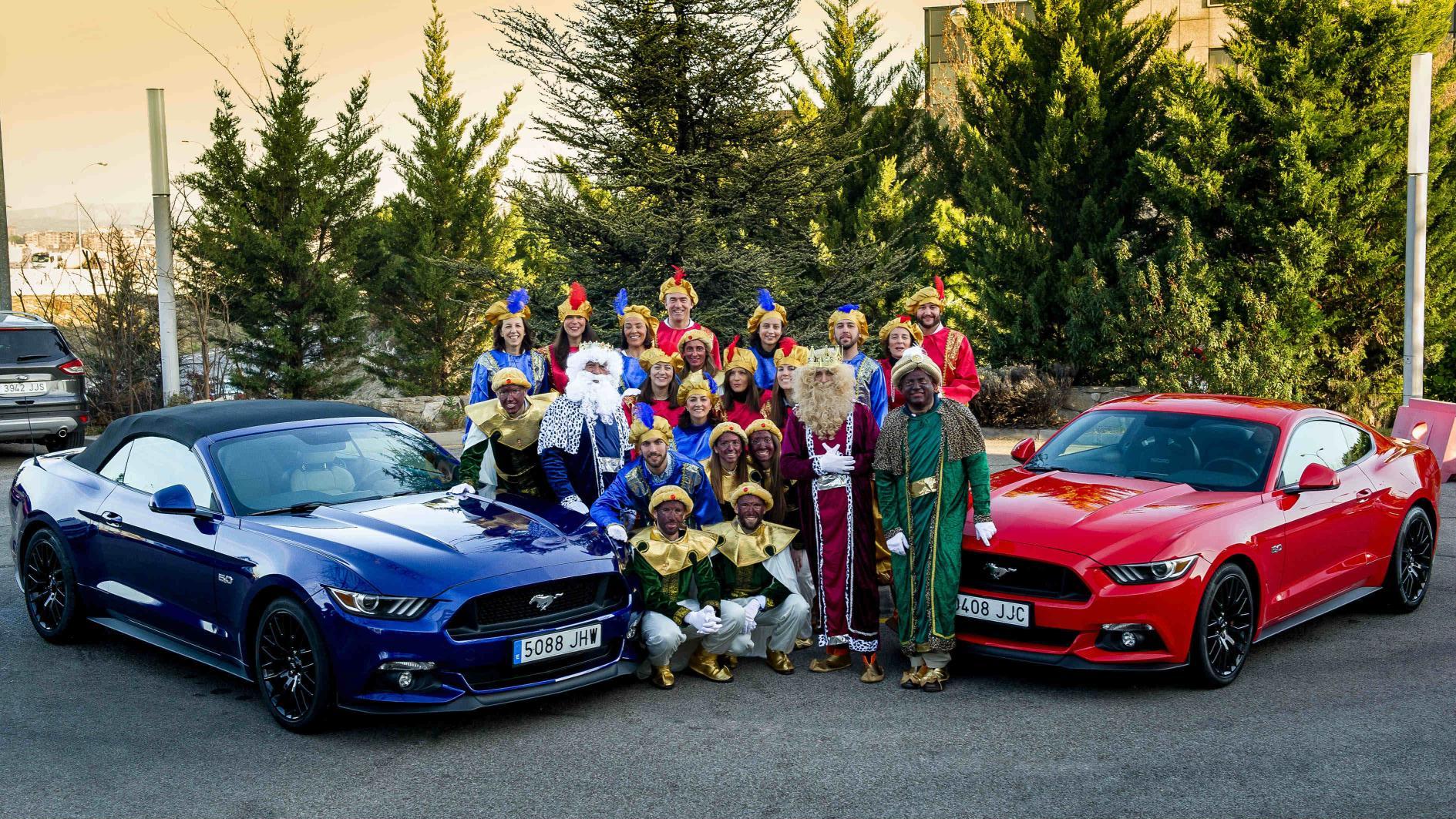 Los Reyes Magos cambian los camellos por el Ford Mustang