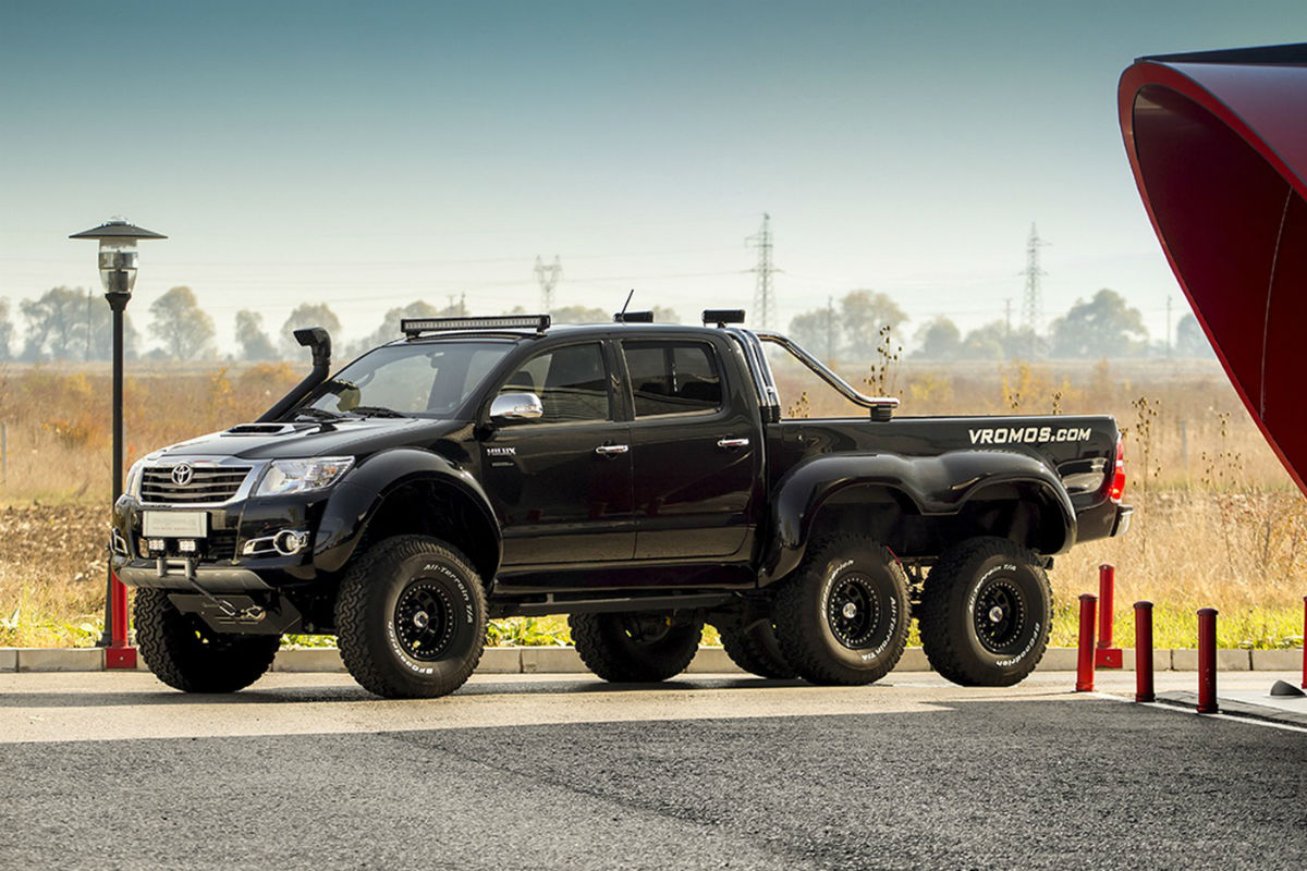 Toyota Hilux 6×6 Overdrive 3