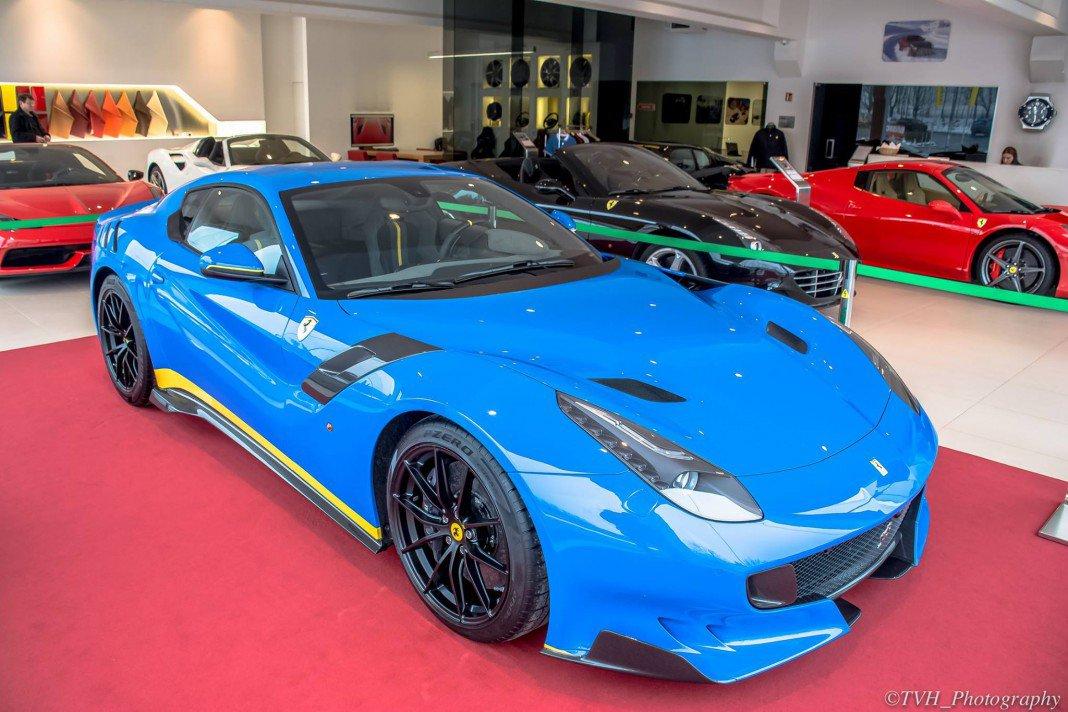Ferrari F12 tdf Azzurro Dino 1