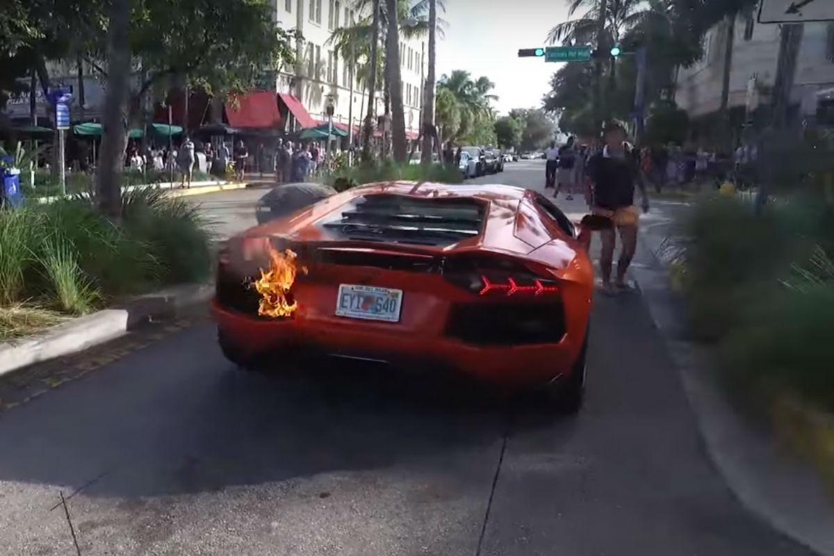 Lamborghini ardiendo