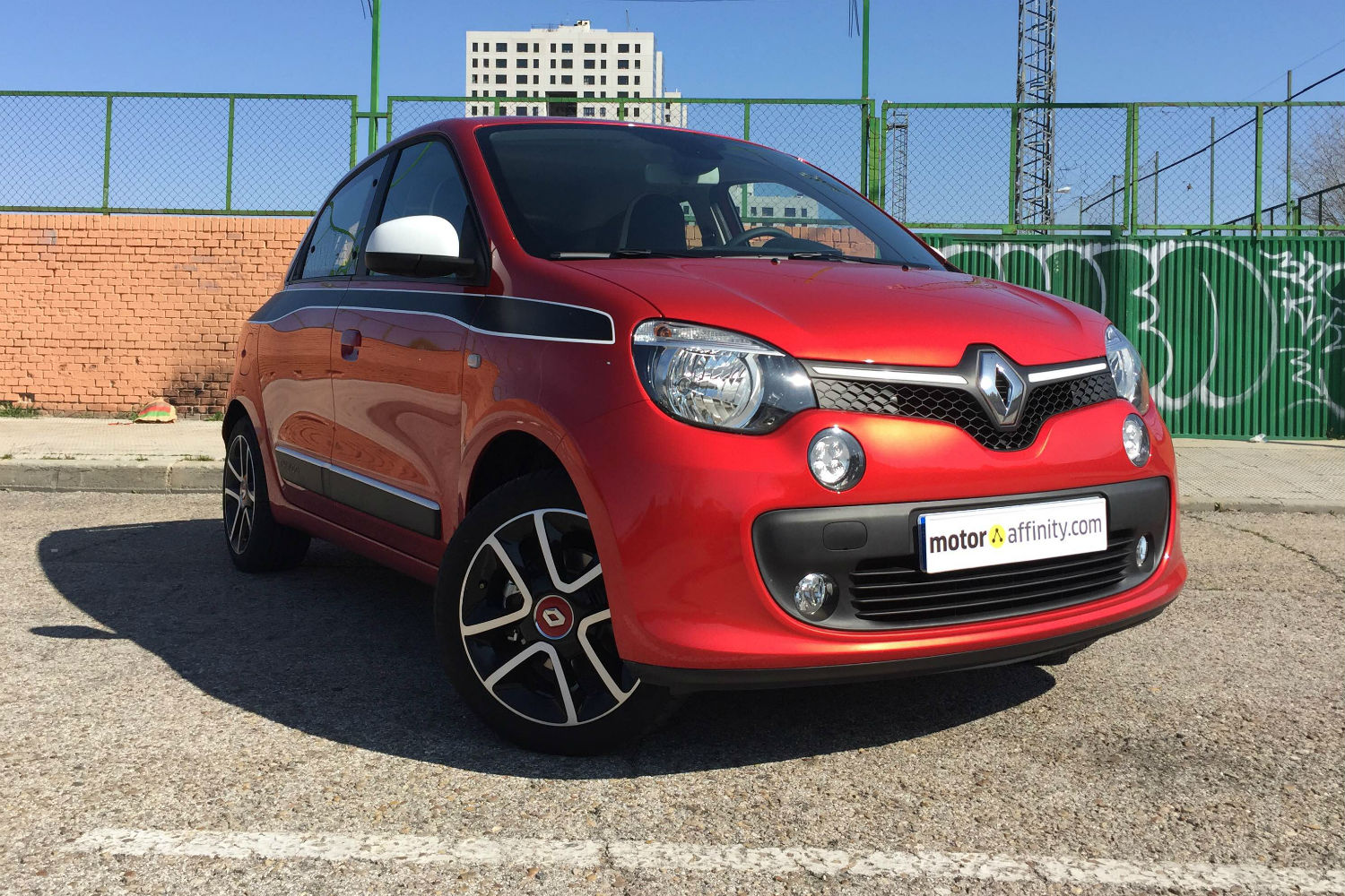 prueba del renault twingo tce 90 edc. Black Bedroom Furniture Sets. Home Design Ideas