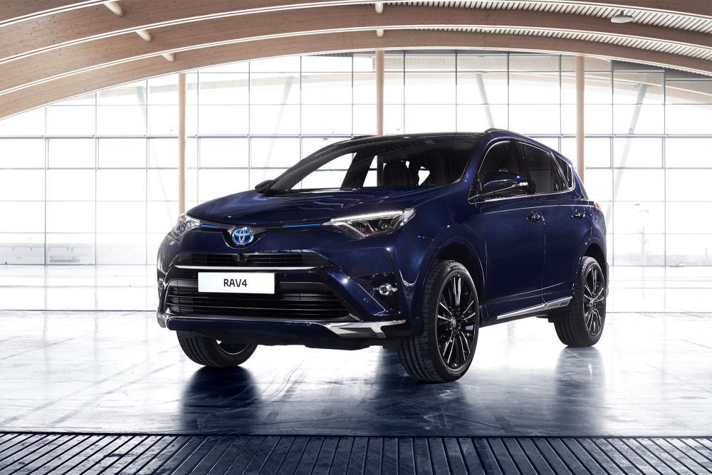 Toyota RAV4 Hybrid Sapphire 1