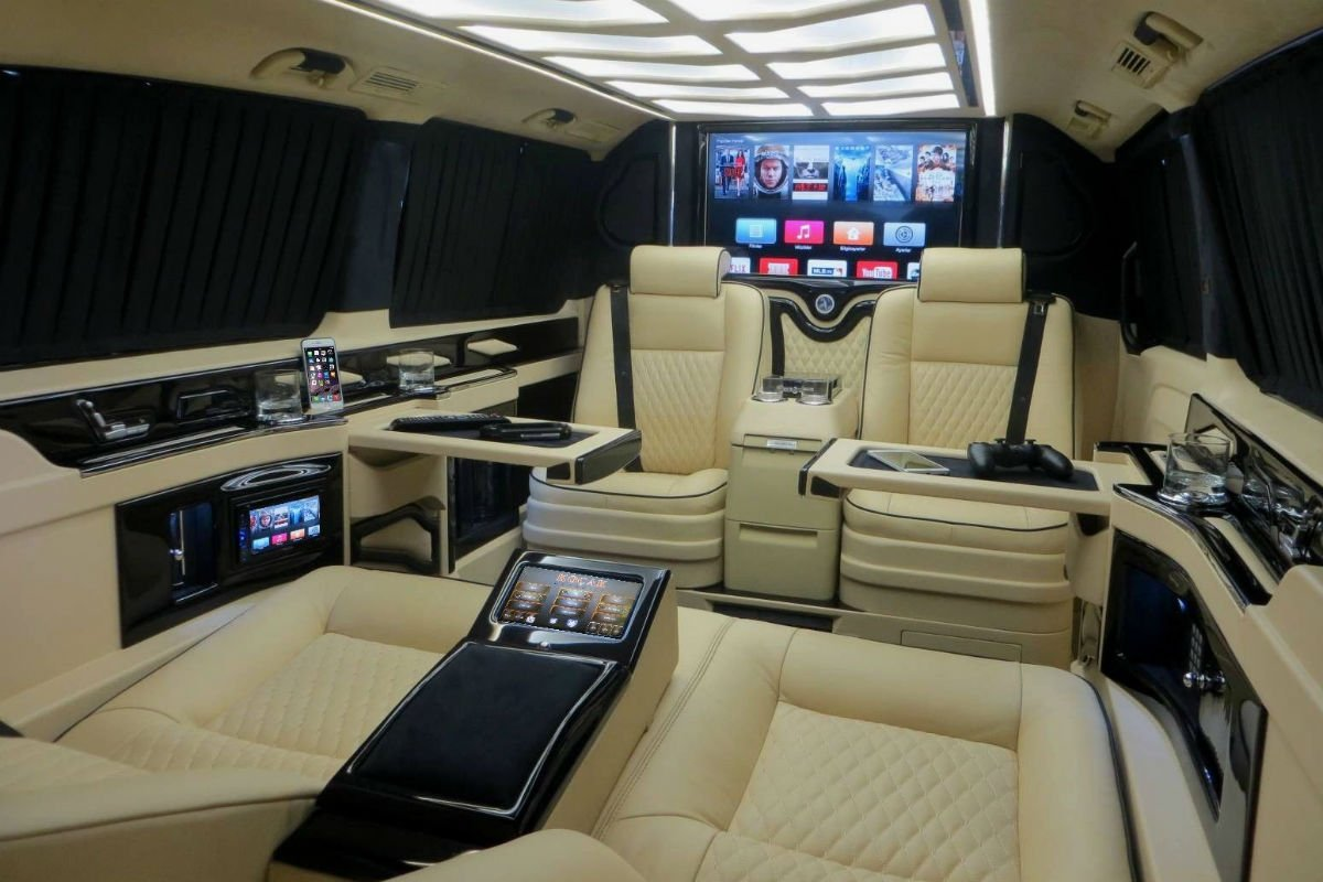 Mercedes Vito Megabus Auto, un salón recreativo sobre ruedas