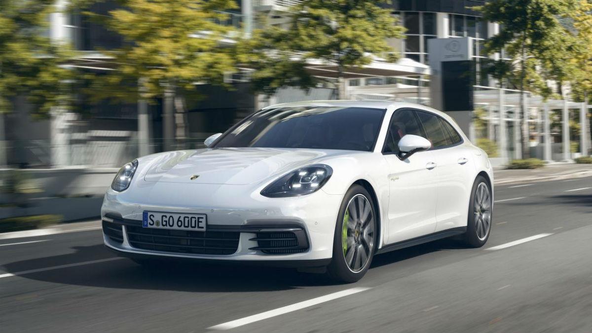 Porsche quiere apostar por las mecánicas híbridas y eléctricas.