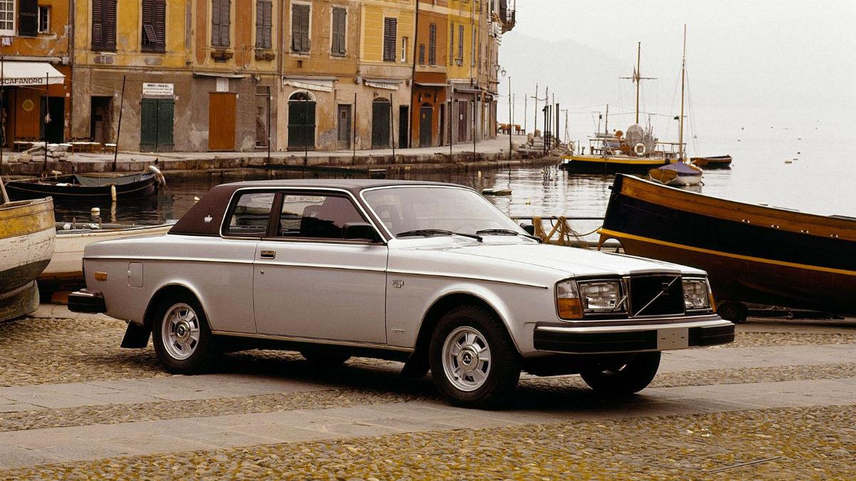 El Volvo 262C cumple 40 años, conservando la vitola de ser uno de los vehículos más importantes de la firma sueca.