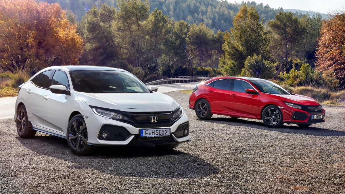 La décima generación del Honda Civic llega al mercado español por un precio de partida de 20.400 euros, cifra que incluye un interesante descuento promocional.