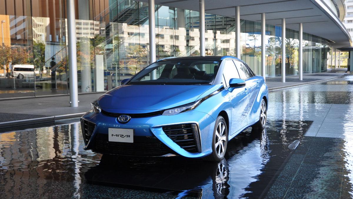 Toyota estudia nuevas tecnologías para sus coches.