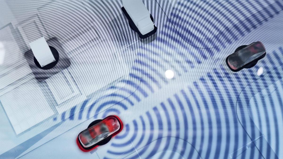 La comunicación entre estos dos vehículos podría evitar muchos accidentes.