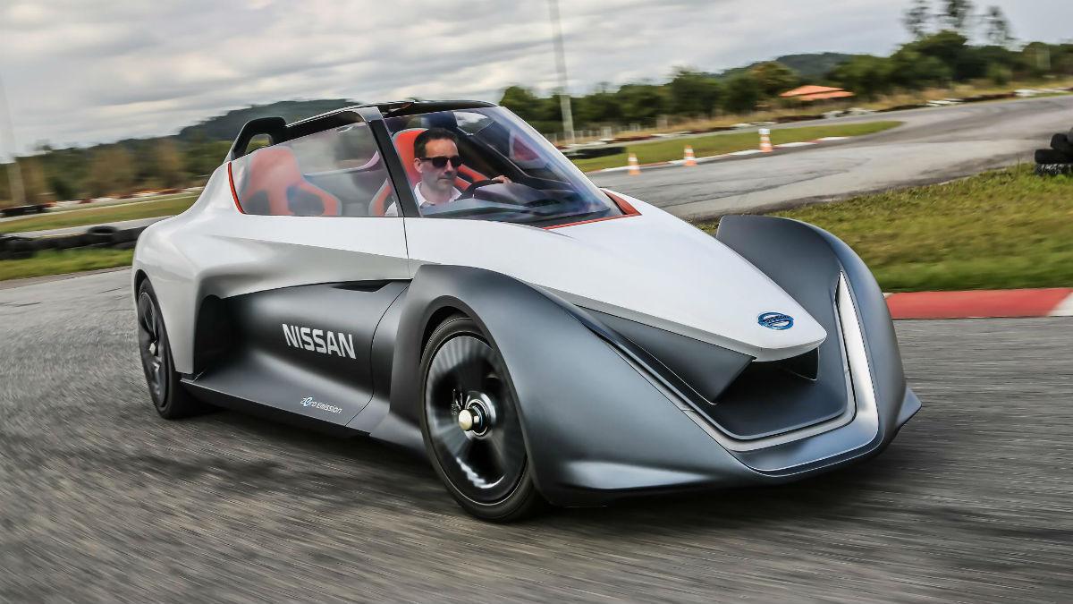 El Nissan BladeGlider demuestra en el Salón de Barcelona que la eficiencia energética no tiene que estar reñida con la diversión que ha de aportar un deportivo al volante.