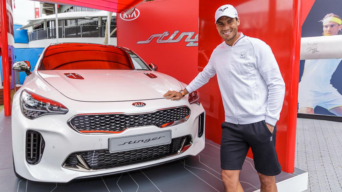 La relación de Rafa Nadal con Kia se ha alargado con el paso de los años hasta el punto de que nadie concebiría al tenista montado en un coche de una marca diferente.
