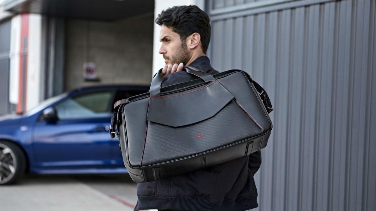Lo último del Peugeot Deisgn Lab son dos colecciones de viaje cuya estética recuerda a los modelos 308 GTi, 3008 y 5008.