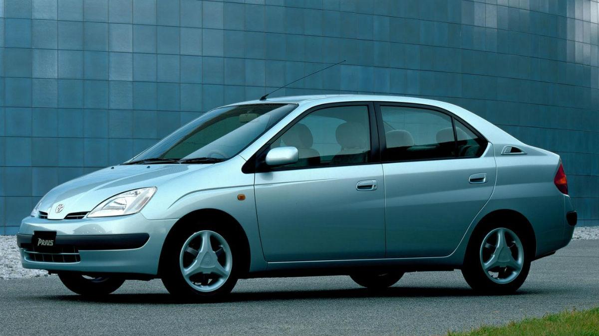 Toyota celebra los 20 años de su tecnología híbrida, que tuvo su primer contacto con el público en 1997 con la llegada de la primera generación del Prius.