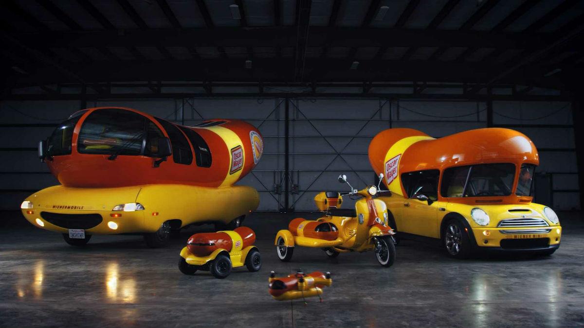 Nuevos vehículos de Oscar Mayer para repartir salchichas.