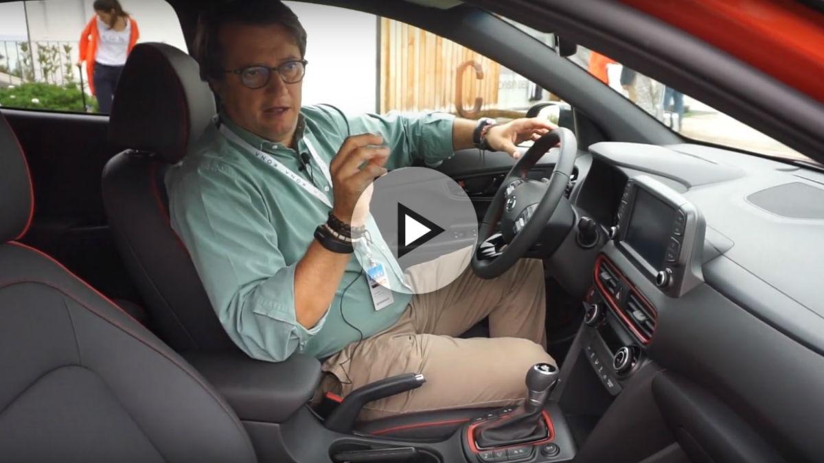 Santiago de la Rocha, Jefe de Prensa de Hyundai, nos cuenta todas las virtudes del nuevo Kona en un vídeo de lo más interesante.