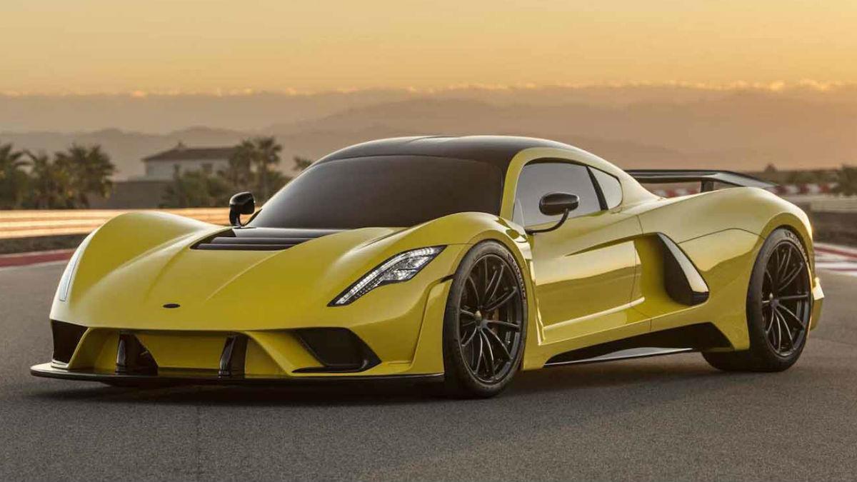 El nuevo Hennessey Venom F5 es una auténtica obra maestra que llega con el objetivo de convertirse en el coche más rápido que jamás haya pisado nuestro planeta.