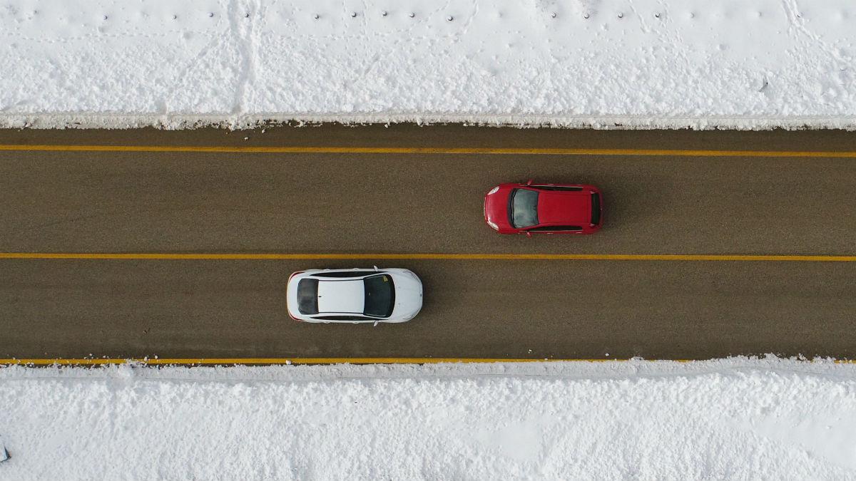Conducir en invierno requiere que nos adaptemos a las condiciones meteorológicas con una serie de conductas al volante destinadas a mejorar nuestra seguridad.