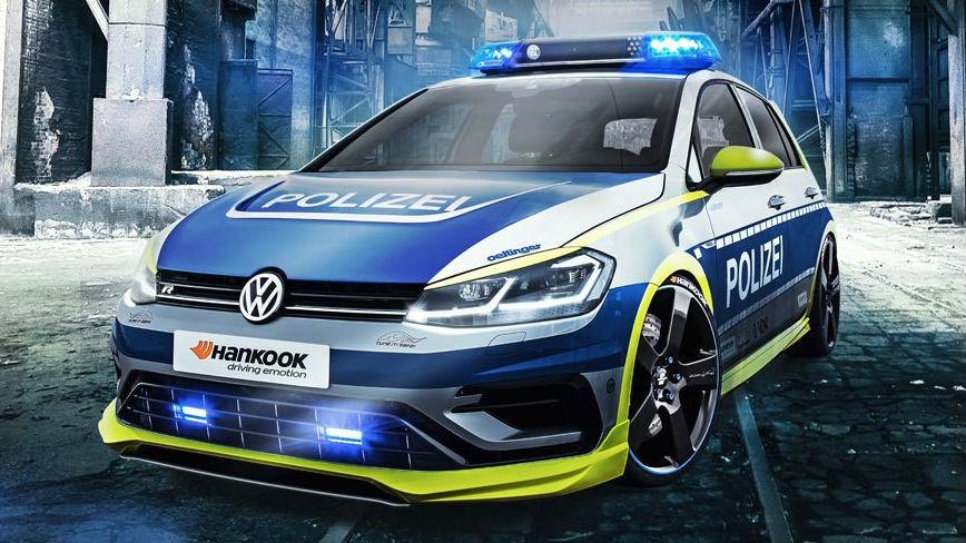 Oettinger ha sido el preparador elegido para retocar el Volkswagen Golf R que desde ahora formará parte de la flota de vehículos de la policía alemana.
