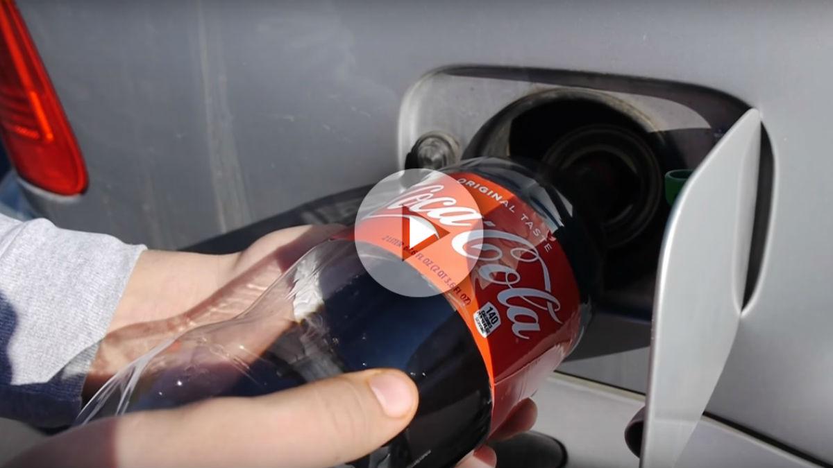 Echarle Coca Cola al depósito de gasolina del coche no parece la mejor idea del mundo, pero hay quién lo ha hecho incluso grabando en vídeo las consecuencias.