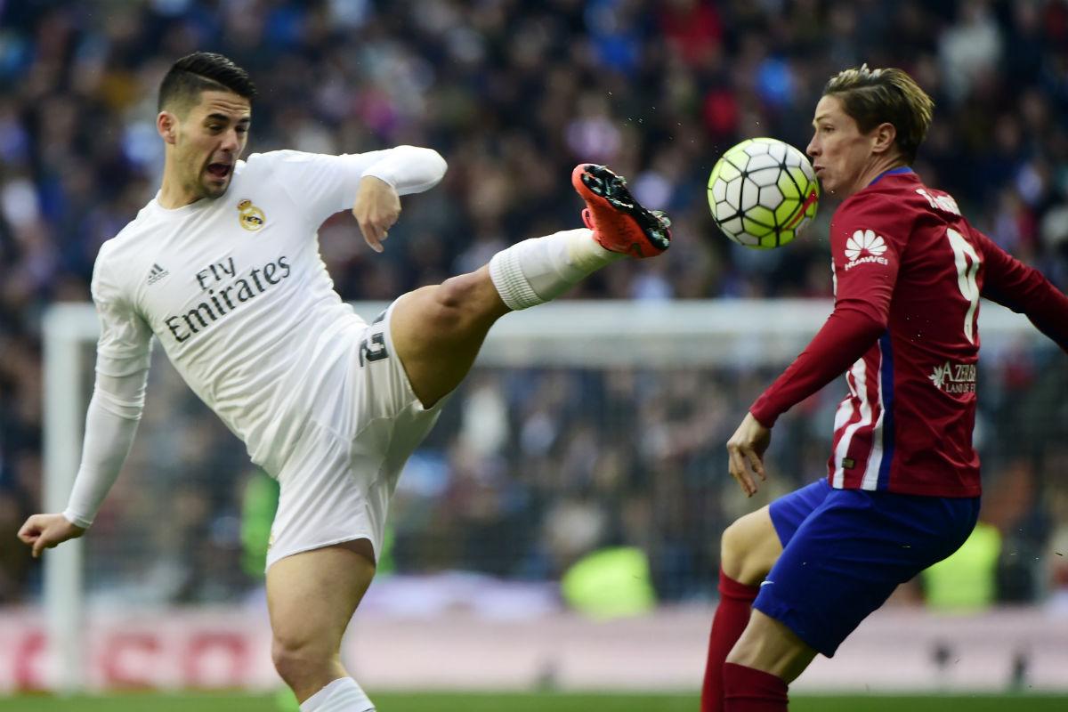 El Real Madrid perdió el derbi del Bernabéu. (AFP)