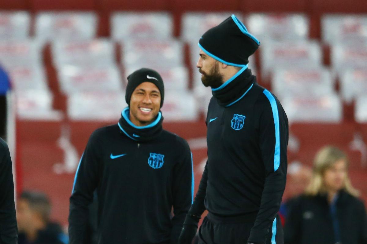 Neymar y Piqué, en un entrenamiento del Barcelona. (Getty)