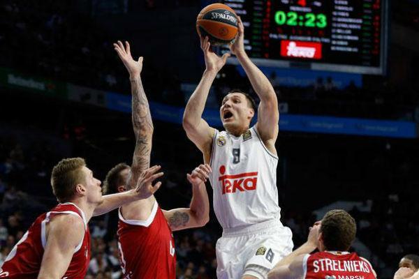 Maciulis, en un partido contra el Brose Basket. (Imagen: realmadrid.com)