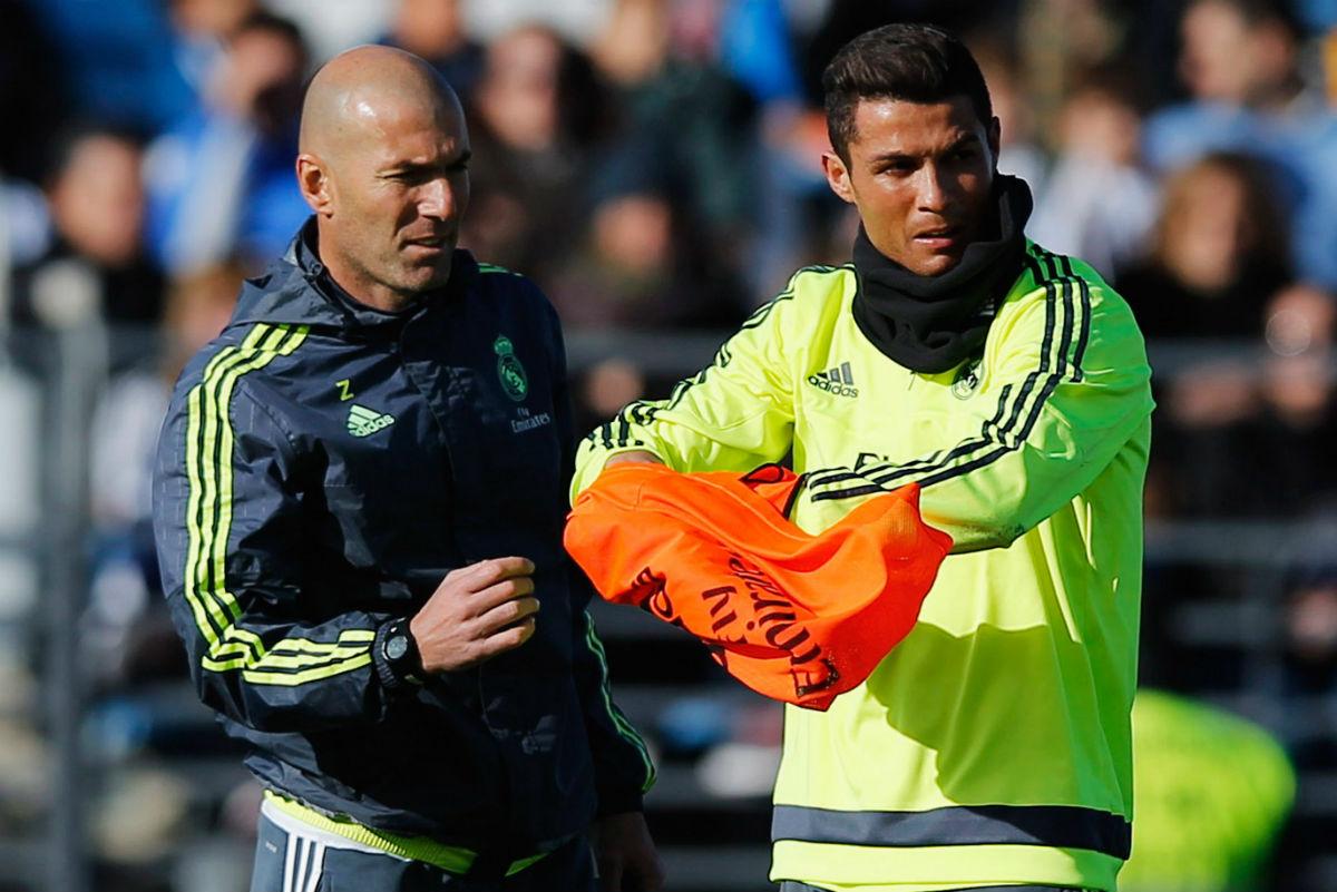 Zidane, en un entrenamiento junto a Cristiano Ronaldo. (Getty)