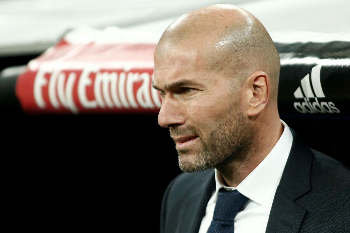 Zidane, en el banquillo en un partido de Liga. (Getty)