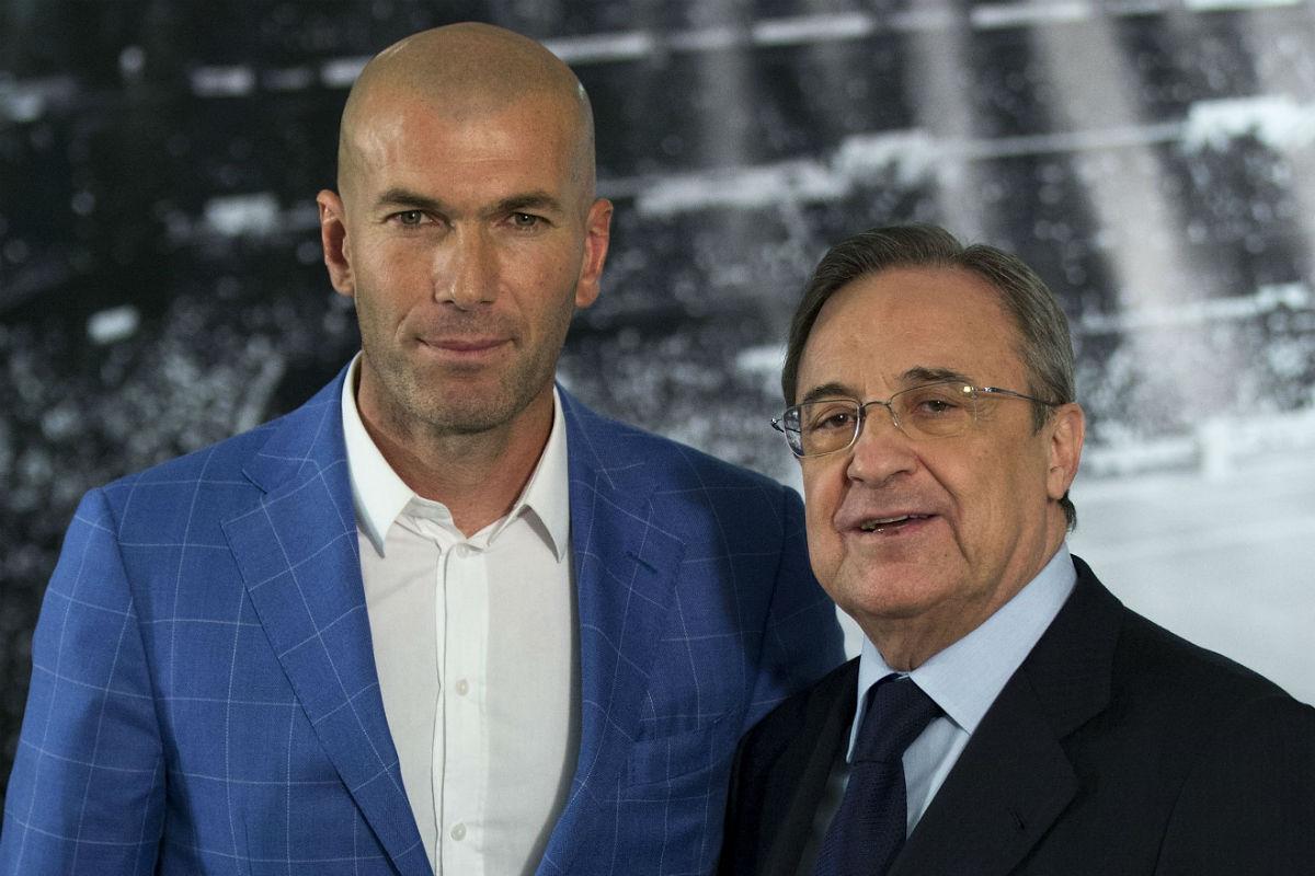 Zinedine Zidane, el día de su presentación junto a Florentino Pérez. (Getty)