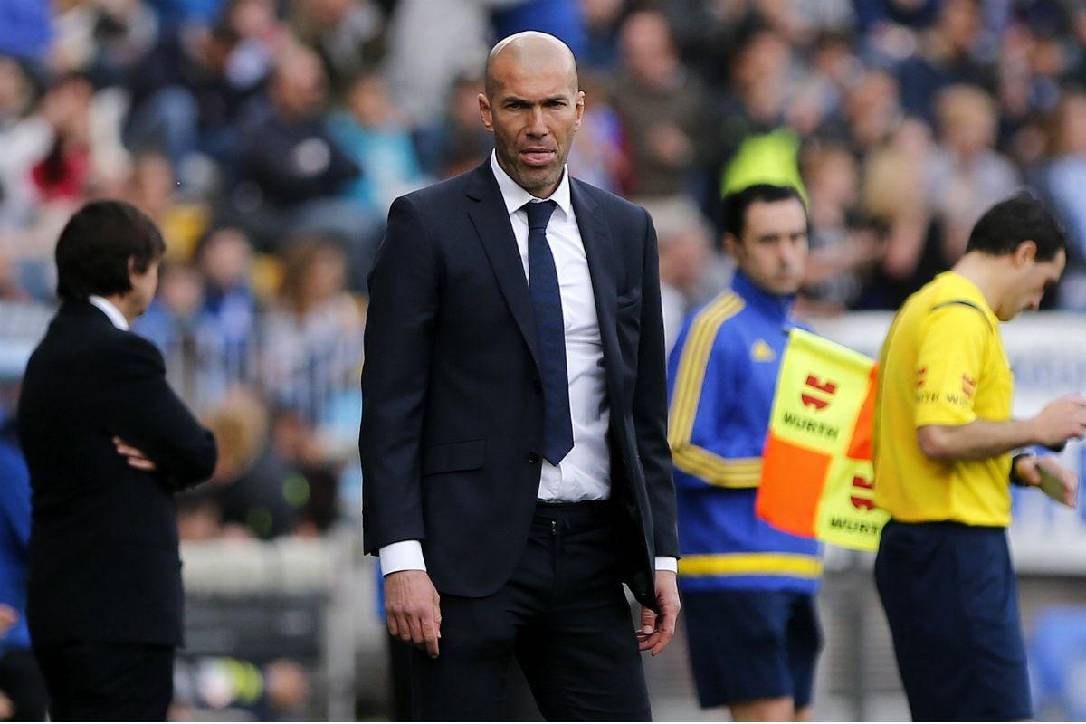 Zidane, en el partido contra el Málaga. (EFE)