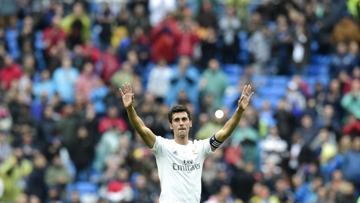 Arbeloa, durante su último partido en el Santiago Bernabéu. (AFP)