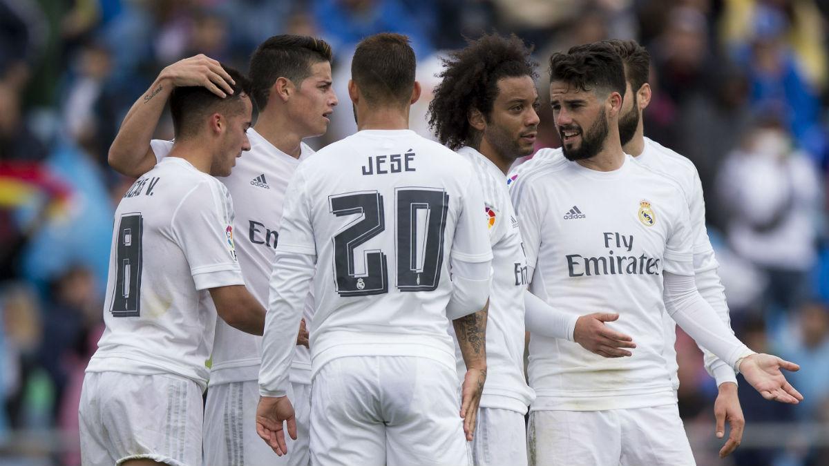 Los jugadores del Real Madrid celebran un gol en Getafe. (AFP)