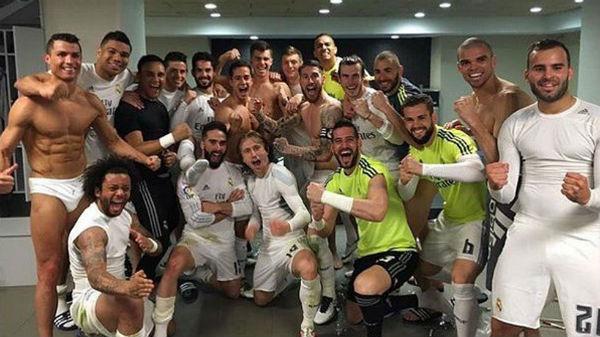 Los jugadores del Real Madrid celebraron la victoria en el Camp Nou en Twitter.