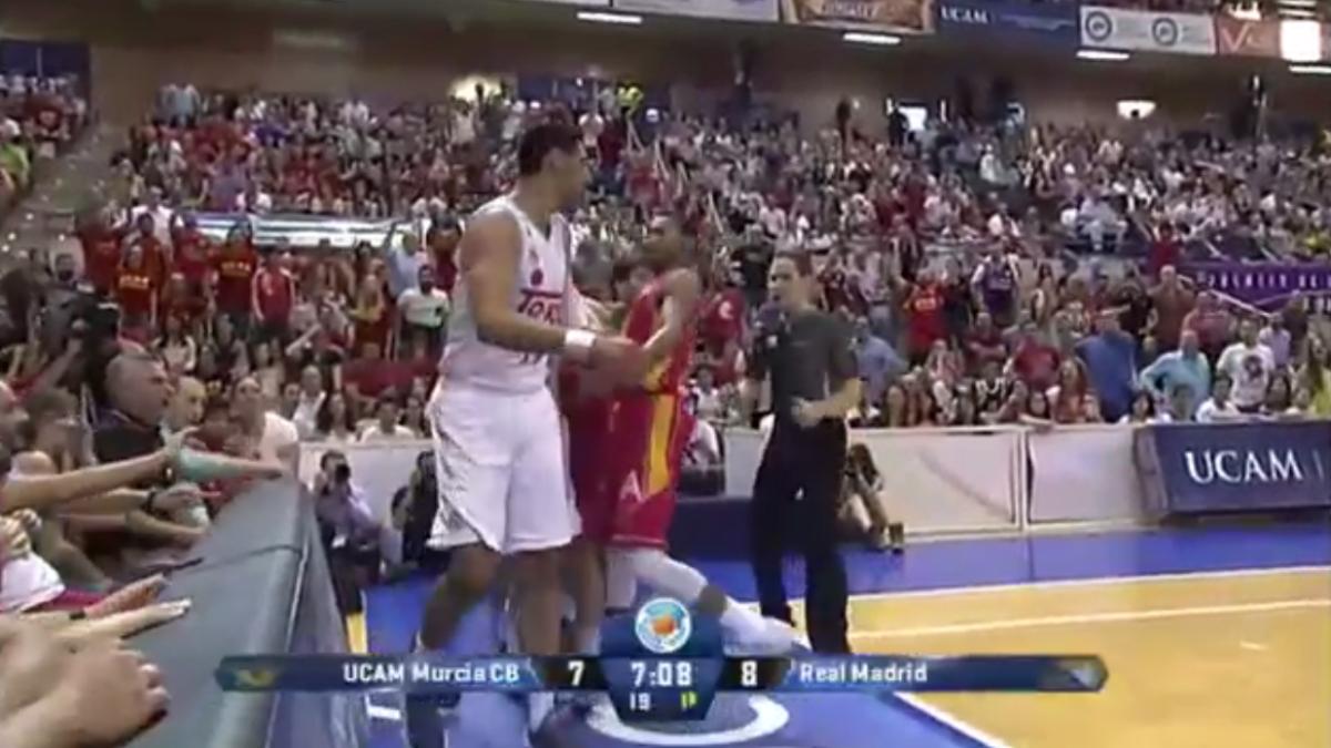 Gustavo Ayón fue expulsado tras un codazo a Rojas. (ACB)