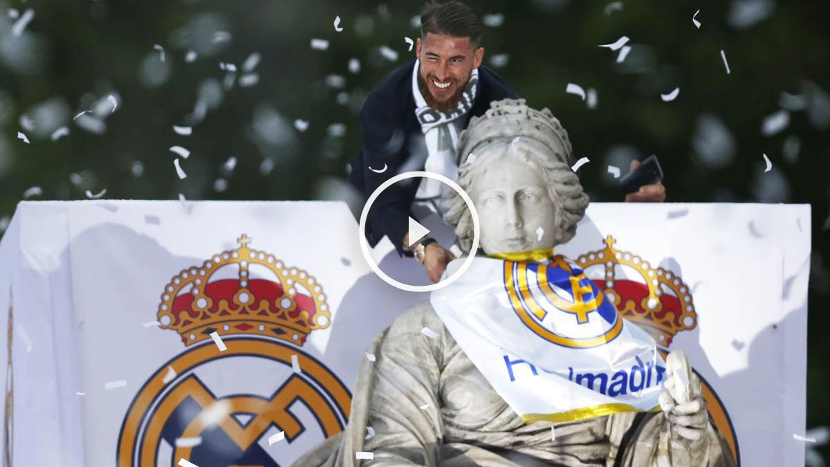Sergio Ramos colocándole la bufanda madridista a la Cibeles (Foto: EFE)