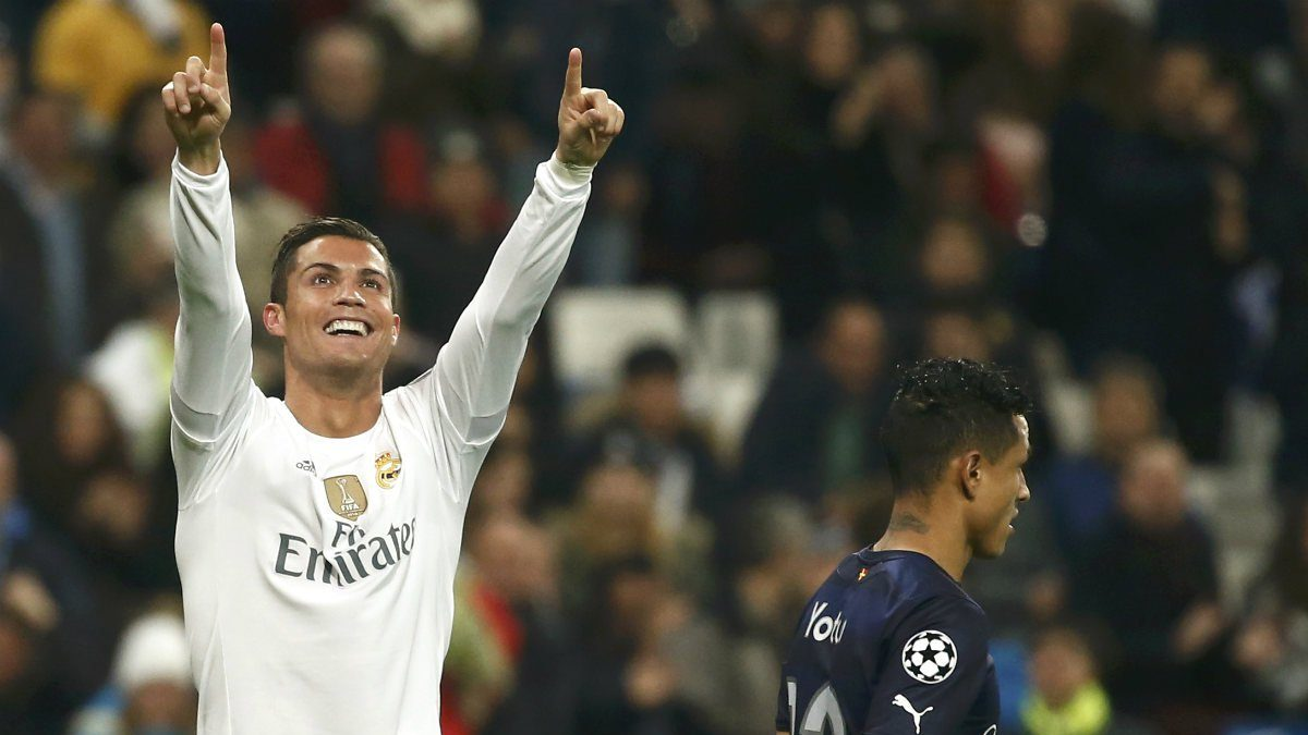 Cristiano Ronaldo celebra uno de los cuatro goles que logró ante el Malmö. (AFP)