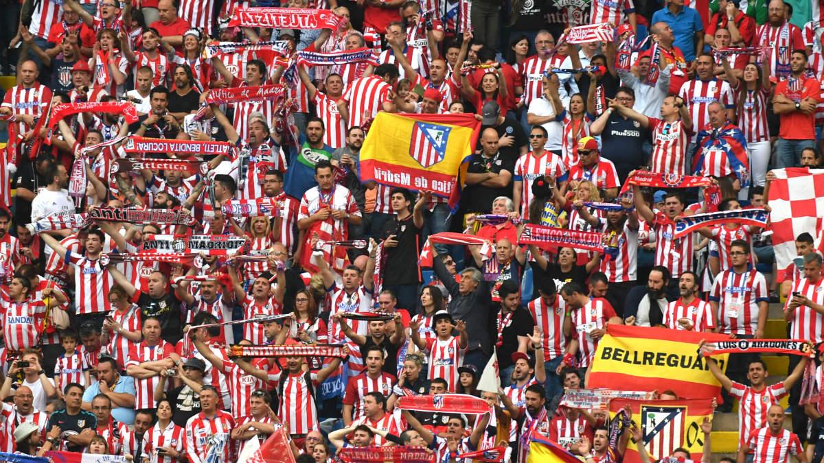 La afición del Atlético pidió que la echaran del club. (AFP)