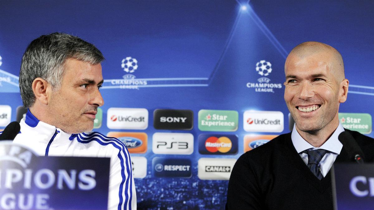 José Mourinho, junto a Zinedine Zidane en rueda de prensa. (AFP)