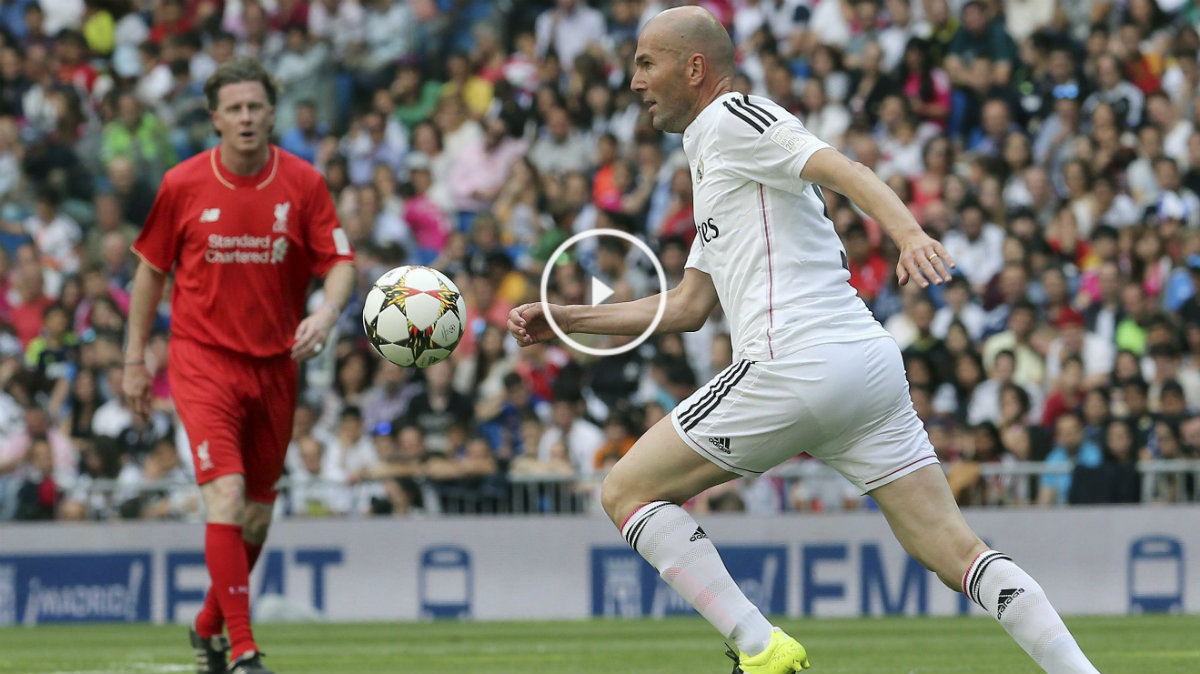 Zidane, en el último Corazón Classic Match contra el Liverpool.