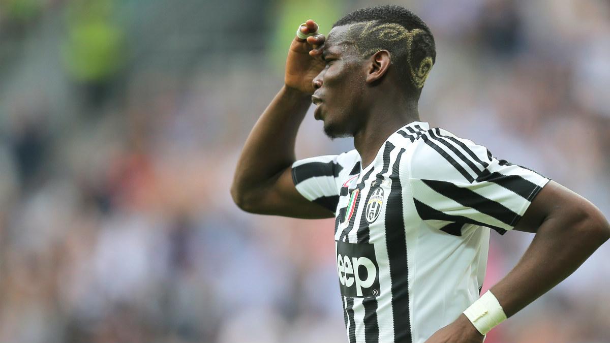 Pogba se lamenta en un partido de la Juventus. (AFP)
